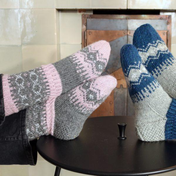 Talven virtaa_naisten_sukat_kuvaJohannaAydemir